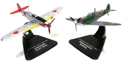 "Supermarine Seafire + Kawasaki KI.61 Hien, Batalla de Iwo Jima, ""Duelling Fighters"" , 1:72, Atlas"