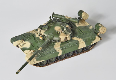 T-80B Main Battle Tank Mod. 1985, Soviet Army, west area, 1:72, Modelcollect