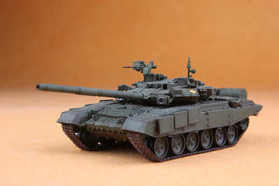 "T-90A, 27th Guards Rifle ""Sevastopol"" Brigade, No.242, Moscú, Abril, 2012, 1:72, Modelcollect"