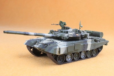 "T-90A 20-th Separate Guards Motor Rifle Brigade, No.140 Volgograd (ex. Stalingrad), ""Hero City"", 1:72, Modelcollect"